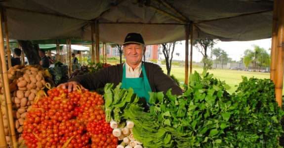 Associativismo e produção orgânica, para a agricutura familiar: Aruatã
