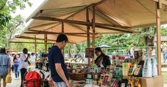 Recomendações para comercialização de alimentos nas feiras livres, sacolões e varejistas