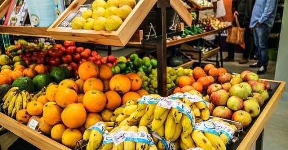 Santa Catarina é destaque nacional na produção de frutas da estação